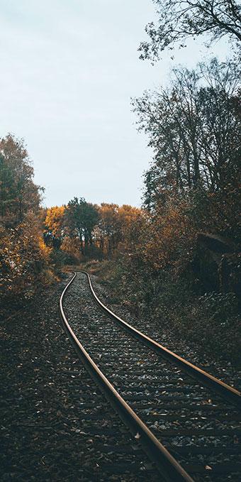 train-tall-narrow